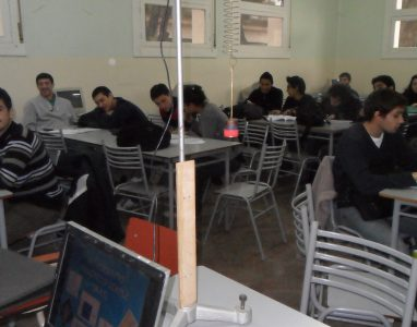 IMAPEC_ACTIVIDAD DE LABOARTORIO DE FISICA EN CLASE DE MATMATICA